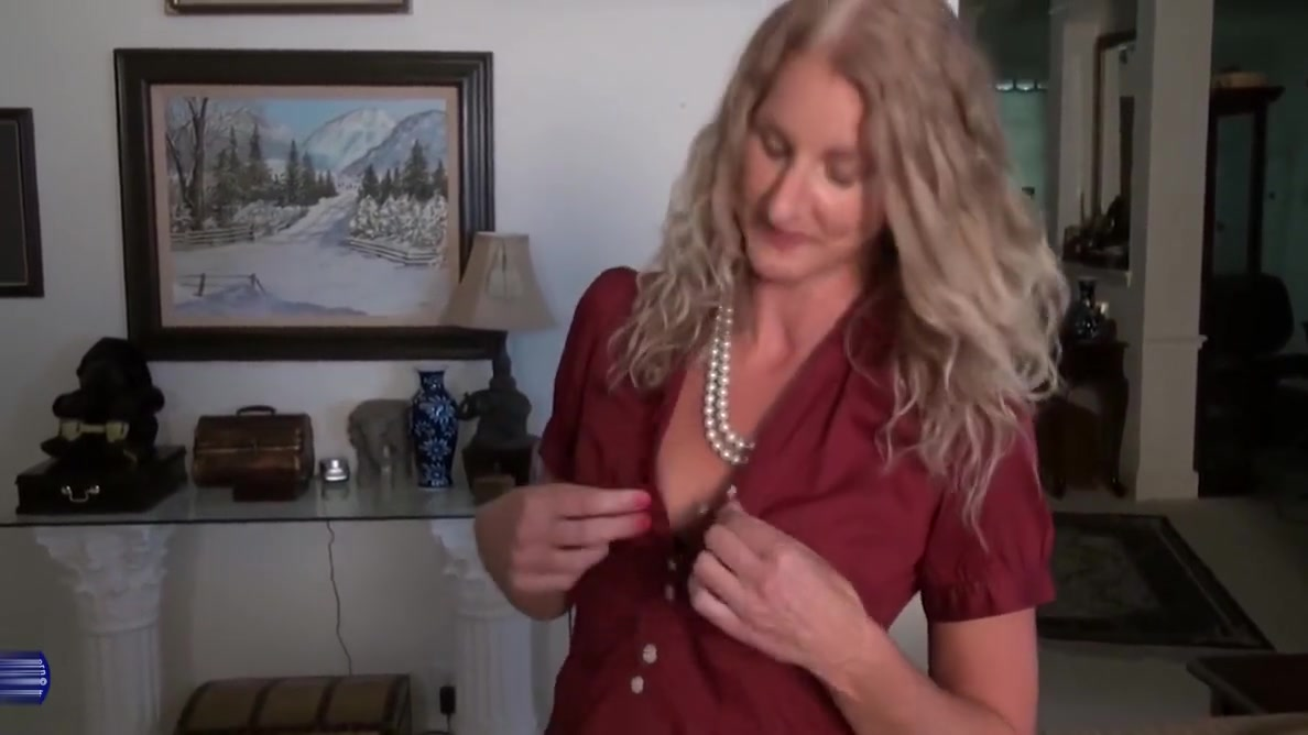 Hot mature wife and mom with amazing body how to train dragon porn