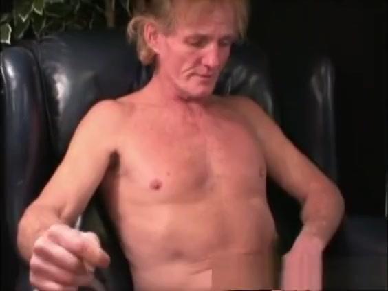 Mature Amateur Veto Beats Off Teen pussy in Graz
