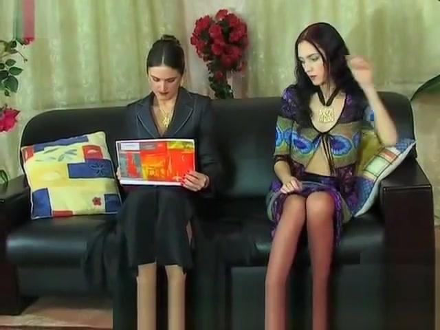 Sensual Milfgirl Lesbian Seduction penis shower or grower video