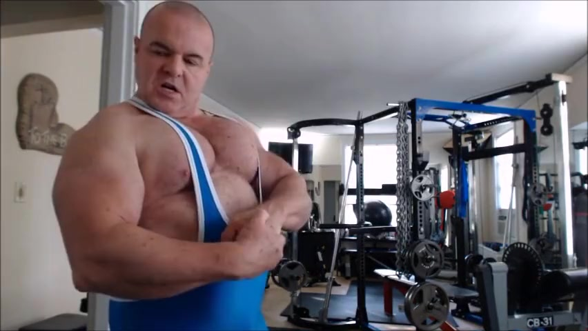 FlexBigMuscle Promo Clip Naked moomies with tits for son