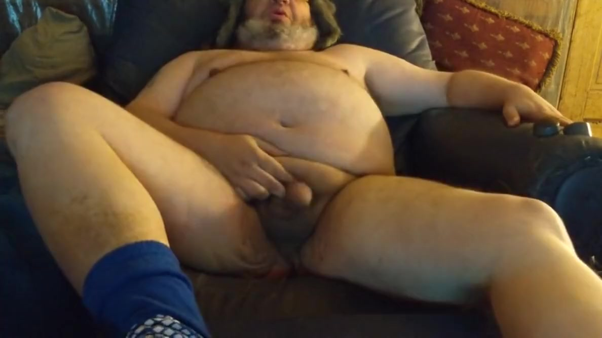 Fat Ass Chub Dad Jerks and Cums Double ended dildo lesbian porn