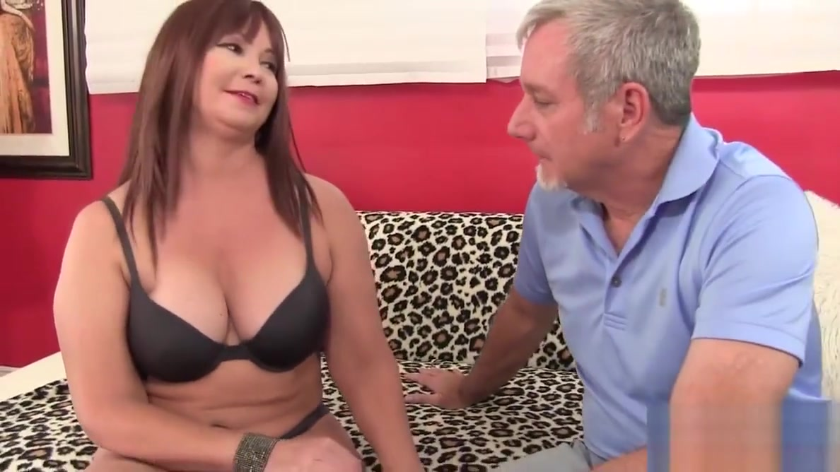 Mature Hoochie Isabelle Love Is Banged by a Goateed Guy top sexy woman in 2018