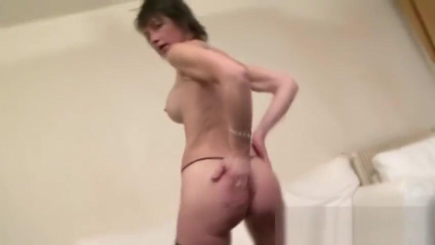 Slutty MILF loves having her anal fucked