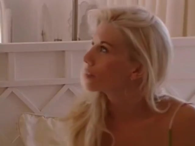 sam gets her girl season 1 episode 02 giving a girl a blowjob