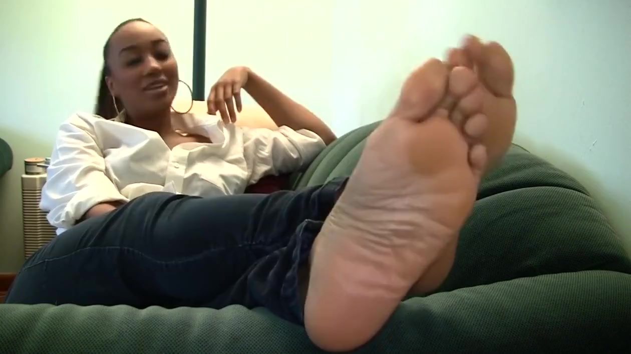 Naomis Candid Stinky Size 11 Soles Part 18 Akari Kimishima enjoys sharing cock with her friend