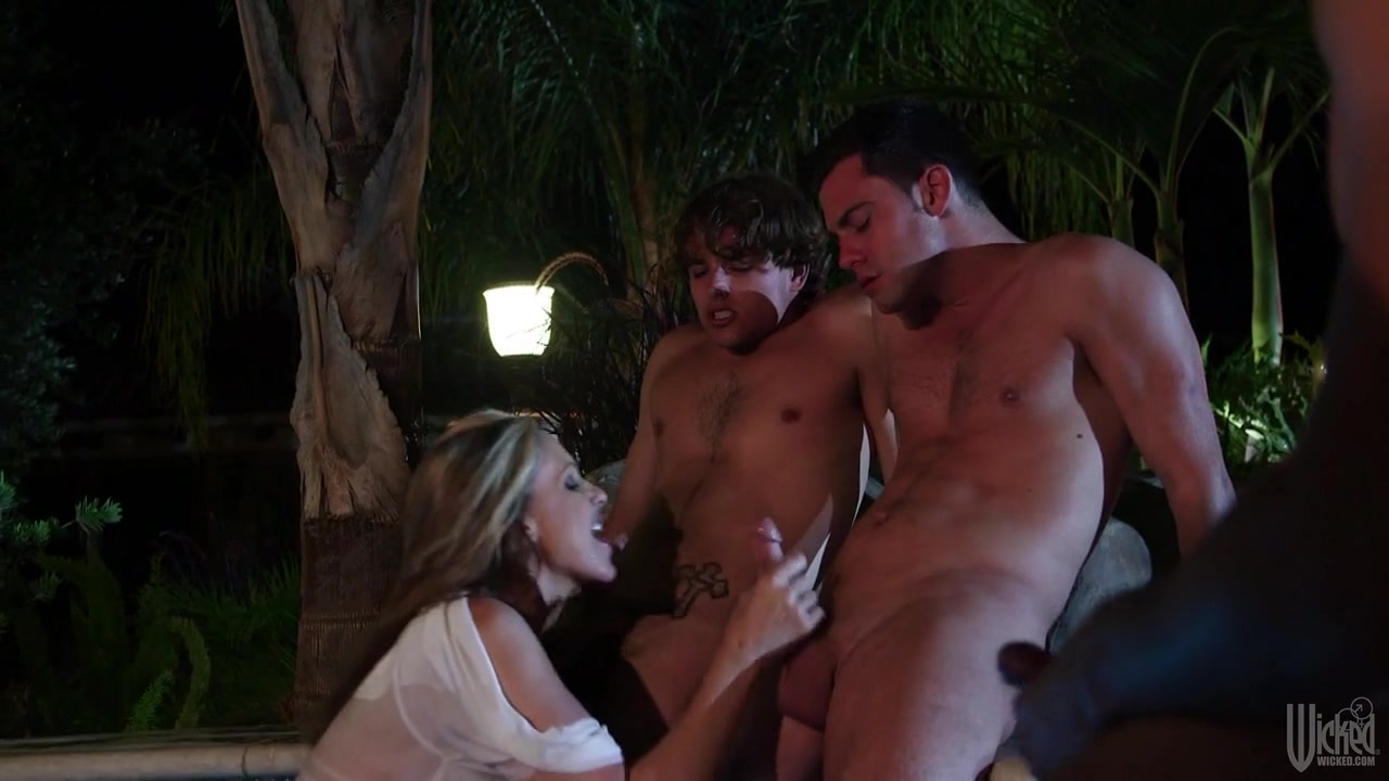 Julia Ann In Cabana Cougar Club, Scene 3 Free gujrati sex video