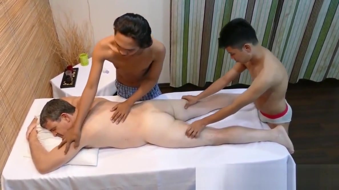 Pinoy twink spitroasting daddy in threesome black hood girl having sex with guy free movie