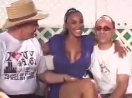 Cheating busty ebony MILF gets doubled-up hard Sexy fucking pix