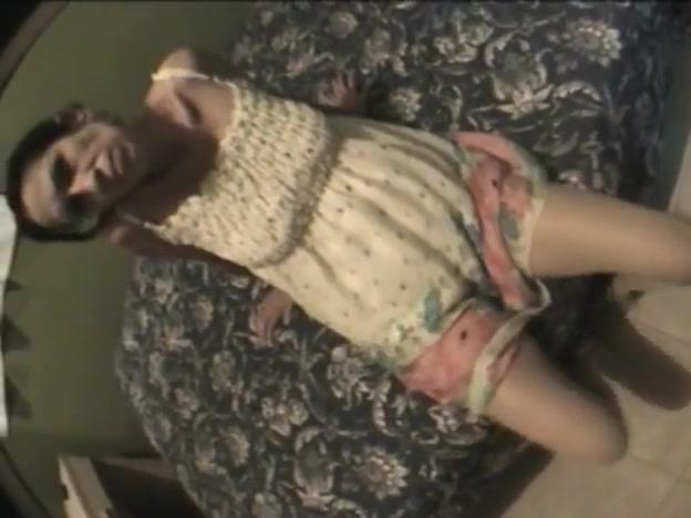 Patrishias Crazy Leg Tease 5 going inside a pussy