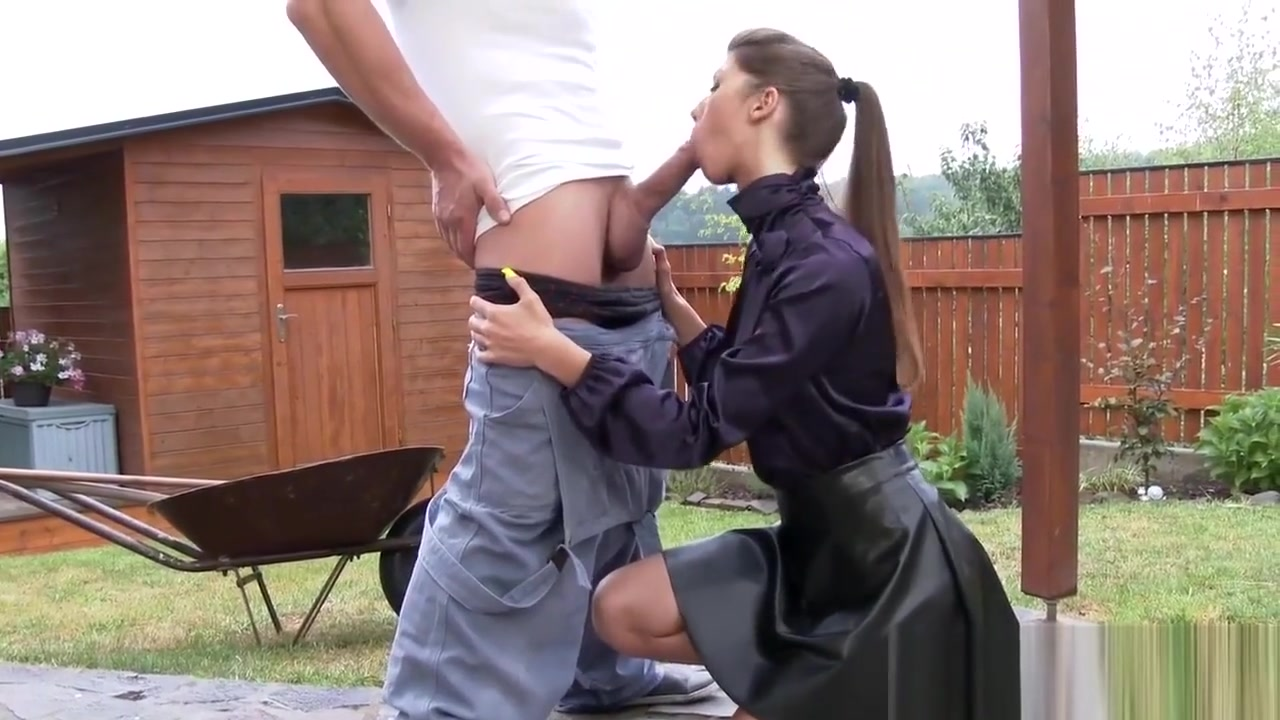 Kinky babe pee showered Persia Sucks While She S Getting Fucked