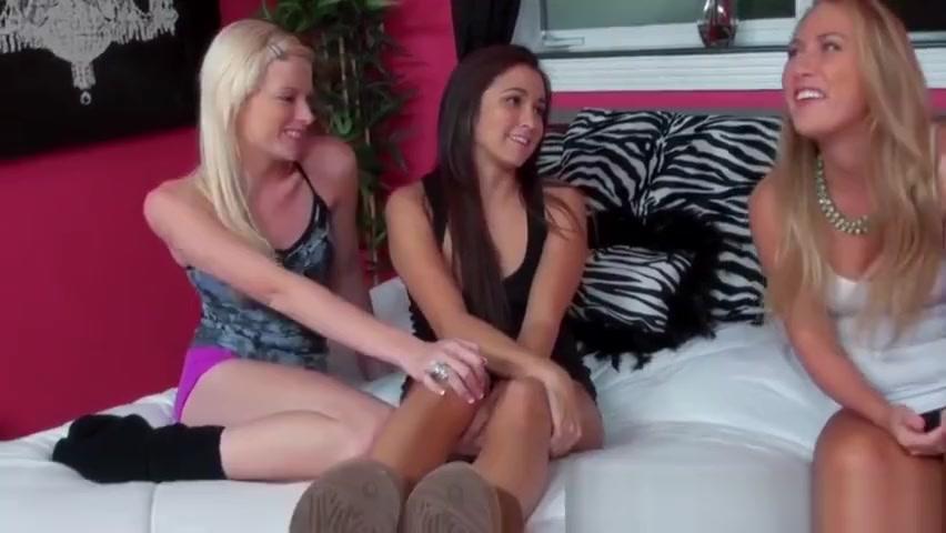 teen ladies have threesome Bikini bar tampa