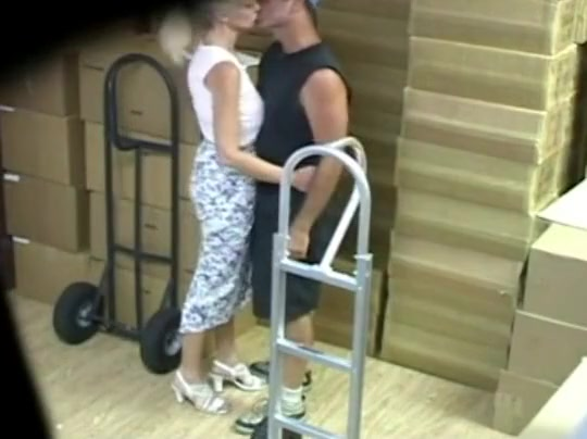 Pete entre las cajas! high quality adult streaming video