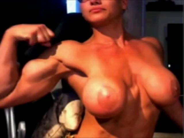 Big tits muscular woman webcam posing