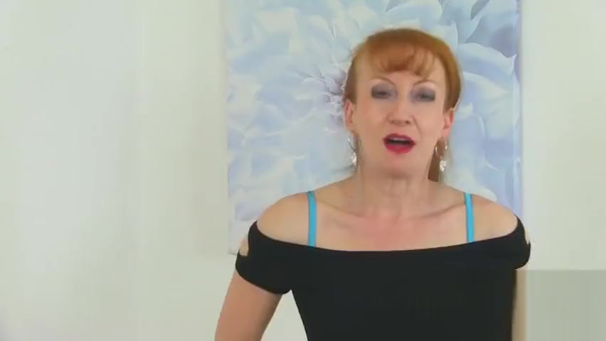 Kinky Redhead Mature With Stockings Spreads Pink Pussy havana ginger free porn forum