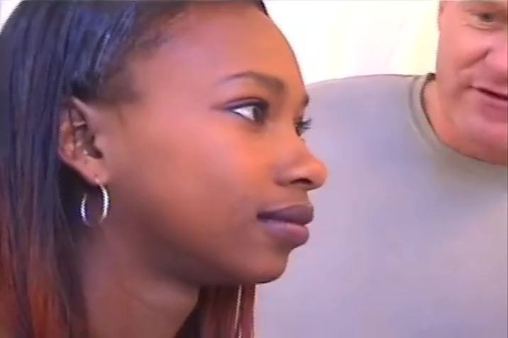 Africa Ebony Babe Sucks Down On Massive Dick Nasty