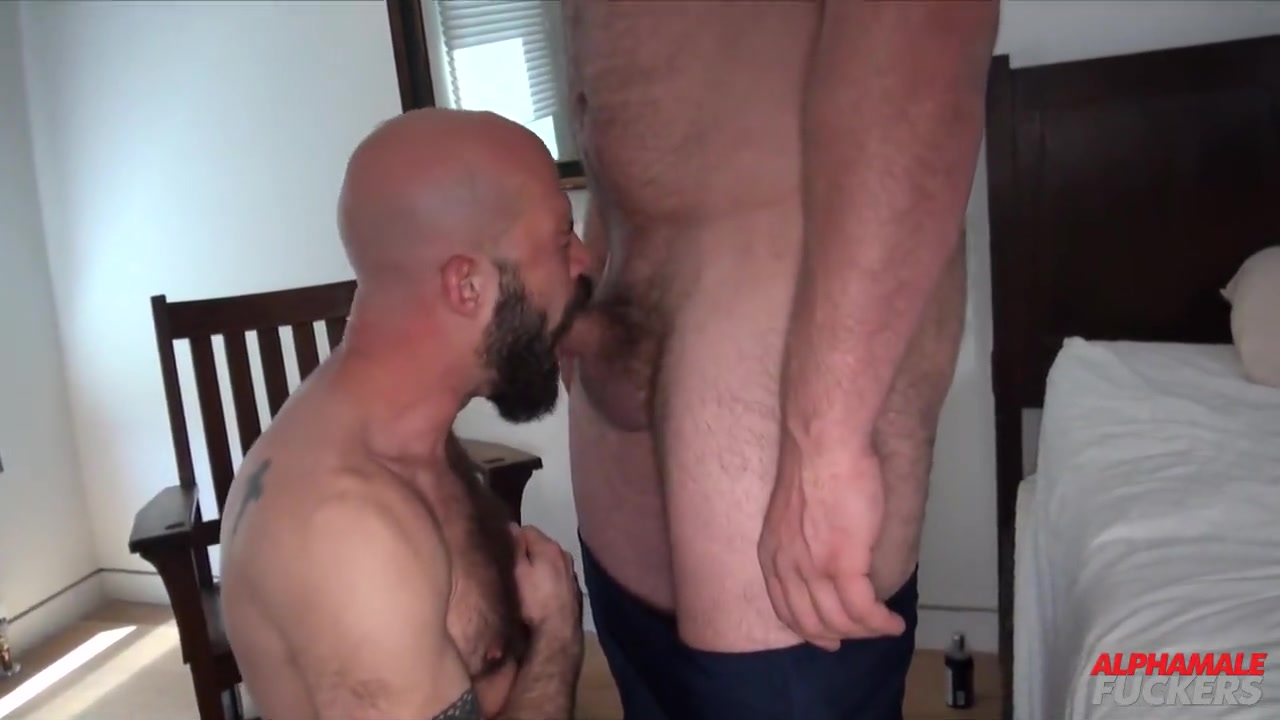 Mickey Carpathio and Bryan Knight - BarebackThatHole How to be the best woman you can be