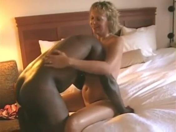 Milf Amateur Wife Interracial Handjobs And Cumshot sex mit der mutter