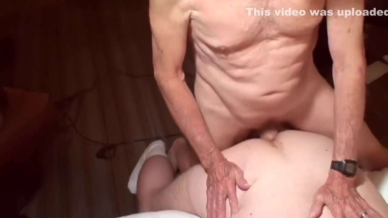 Daddy Carl fuck the boy Adult sex toy mall