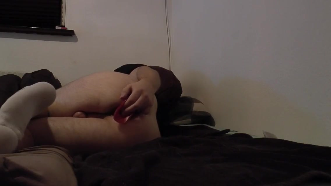 BLACK HAIRED BOY/MALE(MAN) FIRST TIME USING BUTTPLUG AND ASSHOLE GAPES FINISHES OFF WITH A NICE CUMSHOT Karina sexy