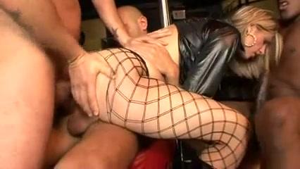 Rosella Shriya saran kissing videos