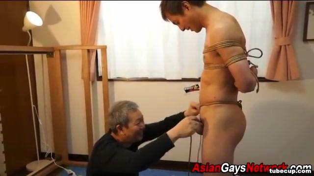 Japanese stud kinbaku adult film producer seeks milfs