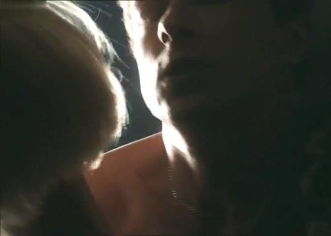 Melissa DiMarco,Lexa Doig in No Alibi (1999)