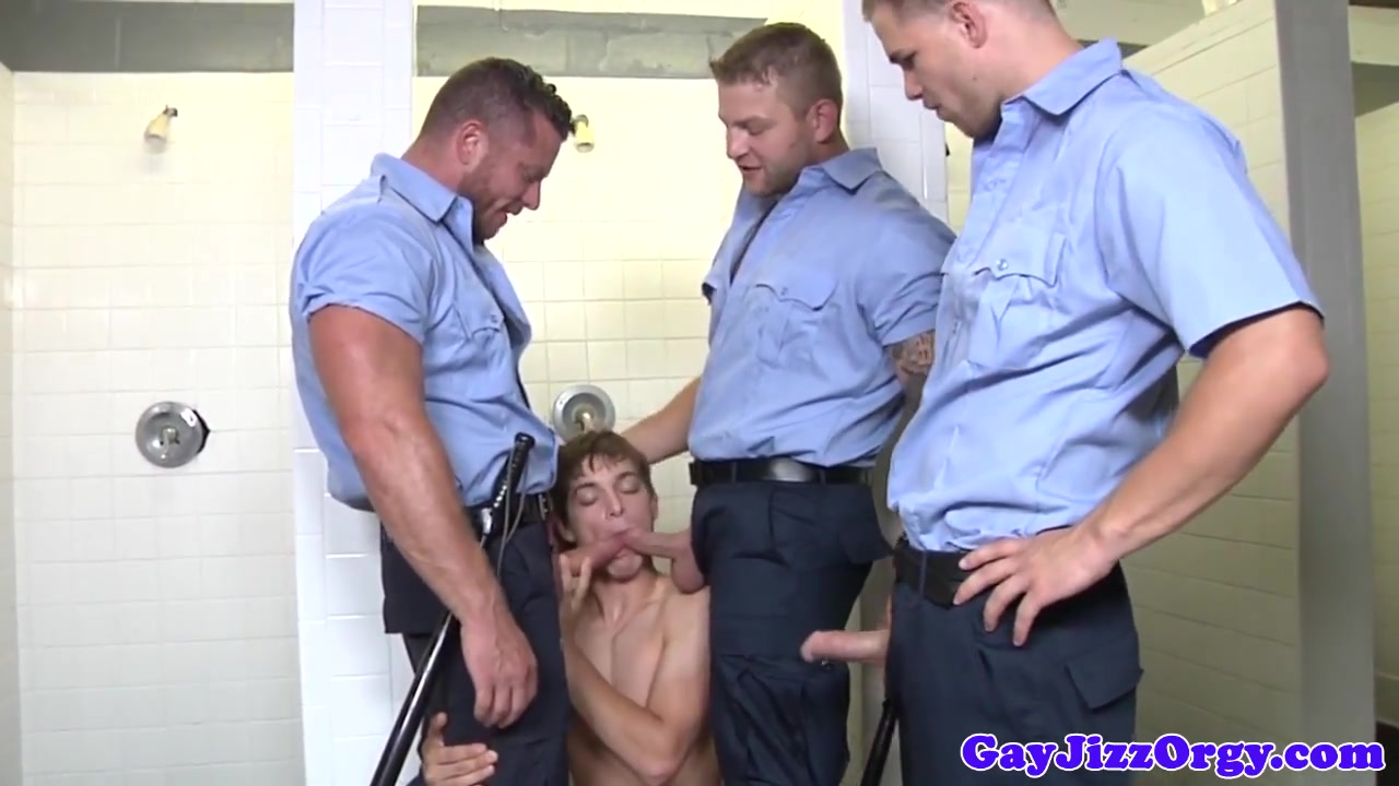 Groupsex hunk jizzed on by the popo Xxx android app