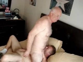 HERMOSO MADURO PELADO Y JOVEN Dragonball bulma naked