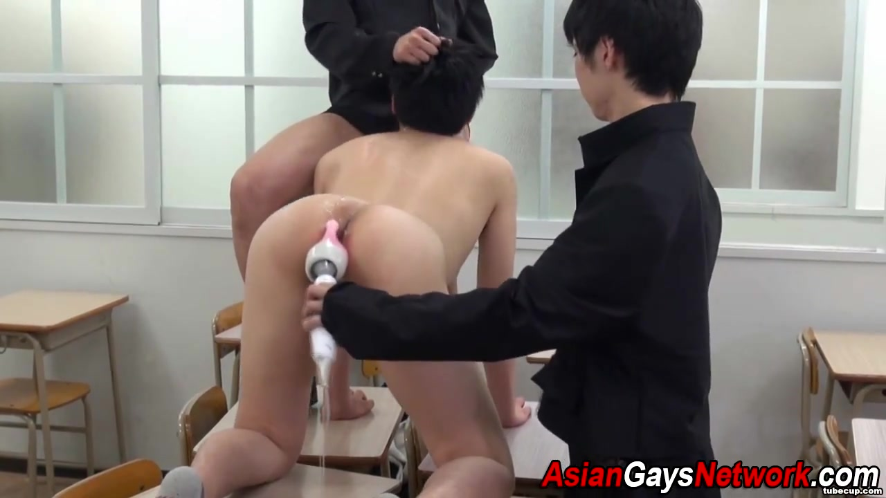 Ass toyed asian twink Hot oralstimulation for a meaty schlong