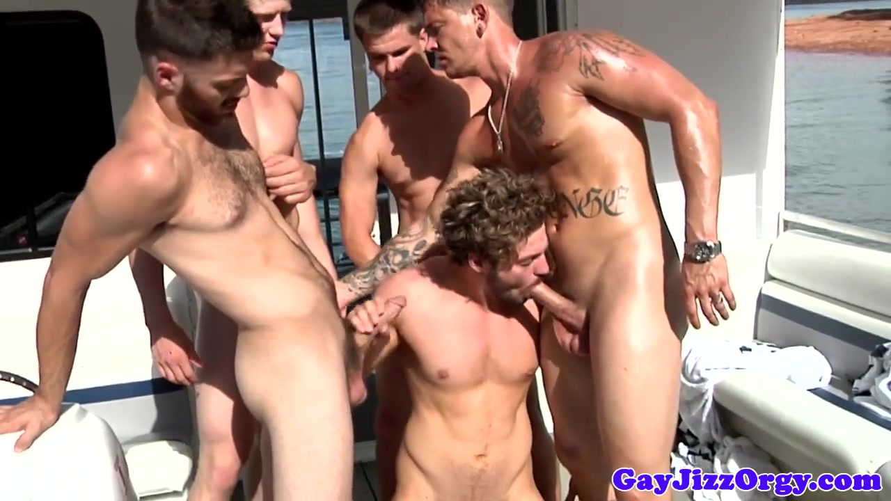 Andrew Blue with a few cocks at an orgy Xxl C700 Com