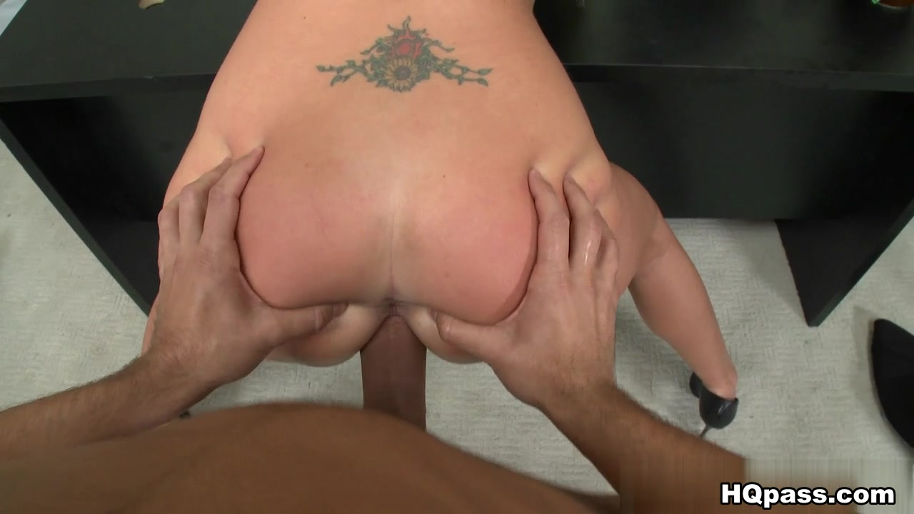 BigTitsBoss - Employee services embarressed naked girls